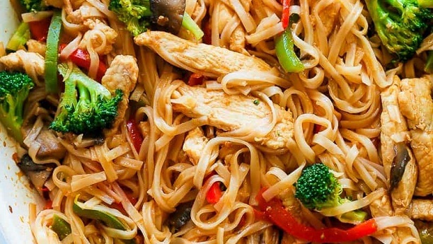 Chicken & Vegetable Brown Rice Noodle Bowl