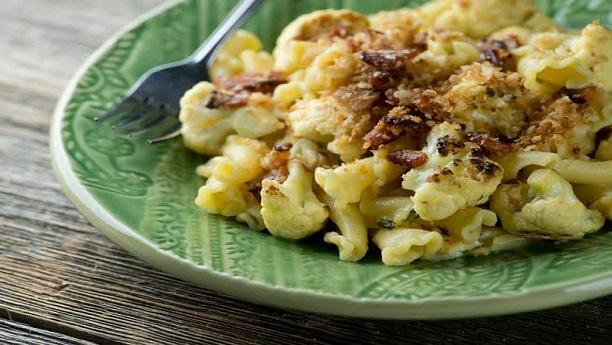 Chicken short pasta with cauliflower