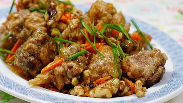 Chicken with walnuts