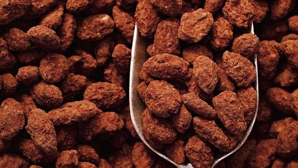 چاکلیٹ کورڈ کیریملائزڈ آلمنڈ
