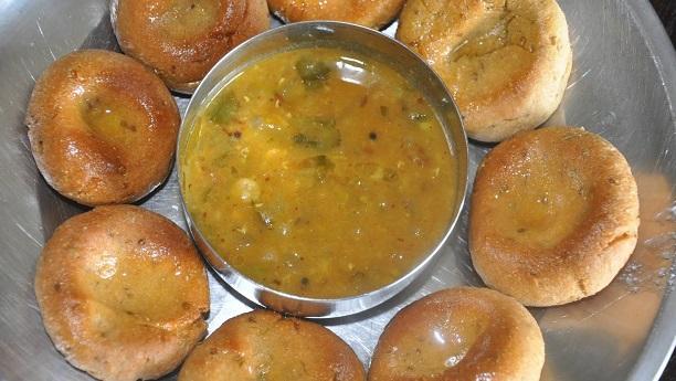 DAAL BAATI CHOORMA  (Wheat Balls - Rolls)
