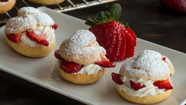 French Strawberry Puff