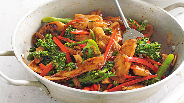 Ginger Chilli Chicken With Crispy Noodles