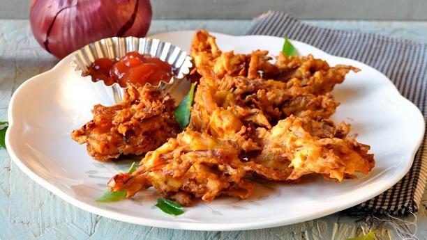 Onion Fritters (Onion Pakoras)