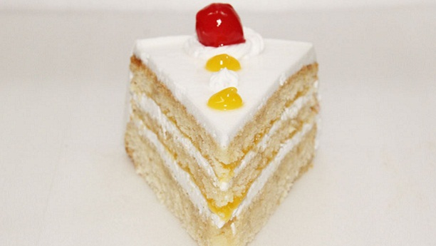 Pineapple cream pastry