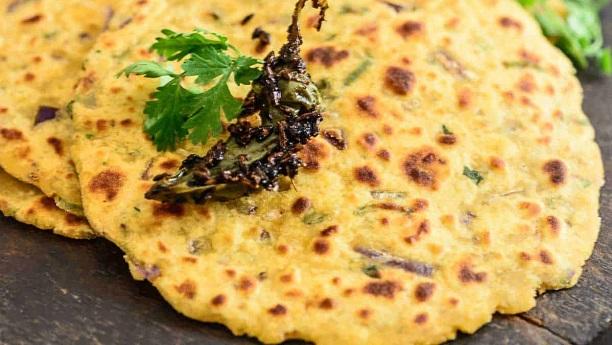 Rajhesthani  Missi Roti: