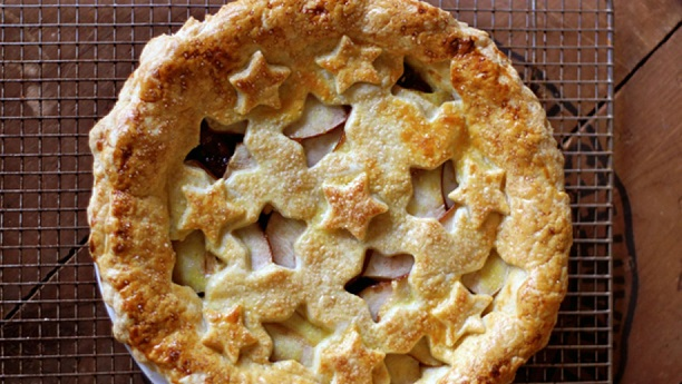 Vanilla-Scented Quince and Pear Pie