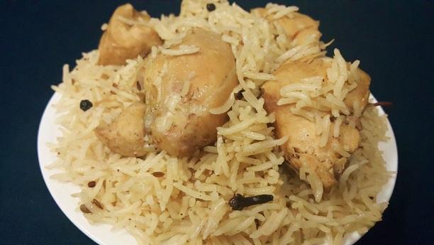 Yakhni Pulau (Chicken Rice)