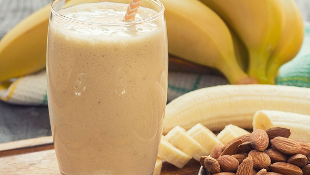 Banana-Almond Energy Smoothie