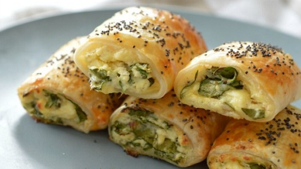 palak cheese rolls
