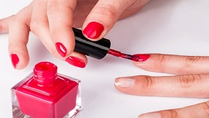 7 Cool Nail Polish Tips and Tricks