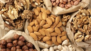 Amazing Benefits of Winter Dry Fruits