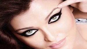 Beautiful Eye Kajal Styles and How to Apply Them