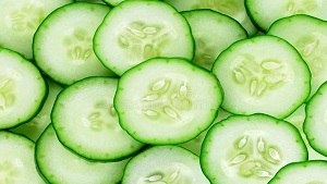 Cucumber Benefits for Skin in Urdu