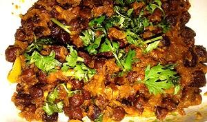 Kala Chana Recipe (Black Chickpeas Chaat)