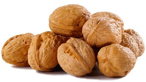 5 Incredible Benefits of Eating Walnuts Daily