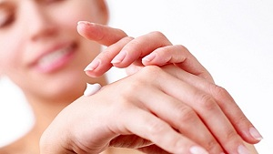 5 Miraculous Home Remedies for Soft and Beautiful Hands