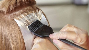 Dyeing Hair Brings Breast Cancer Risk