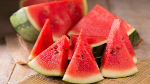 Don't Eat Watermelon With Cracks In It - It'll Make You Sick