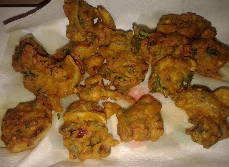 mixed veg pakistani fritters