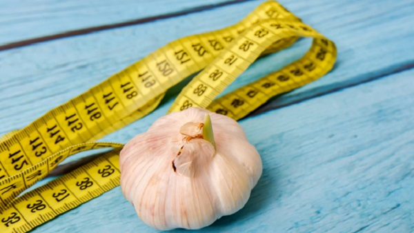 How To Use Raw Garlic To Lose Weight And Burn Belly Fat