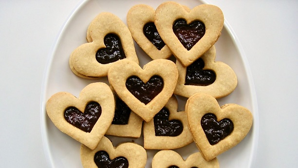 Almonds Heart Biscuits