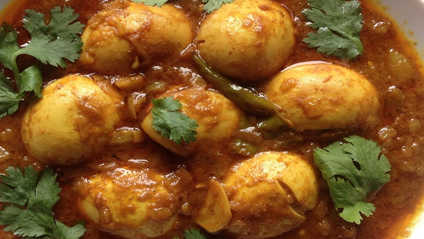 Anday Aloo Gareebi Recipe