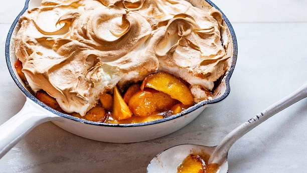 Baked Meringue with Peaches