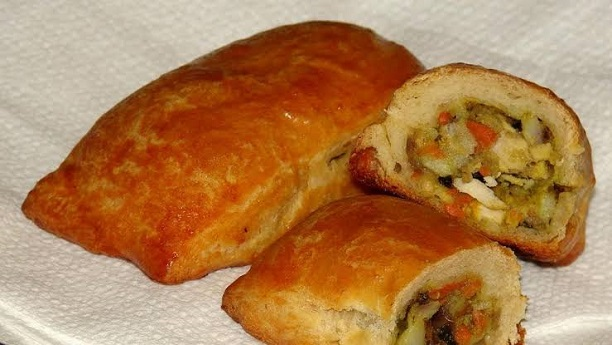Bread Roll with Vegetables & Chicken Filling