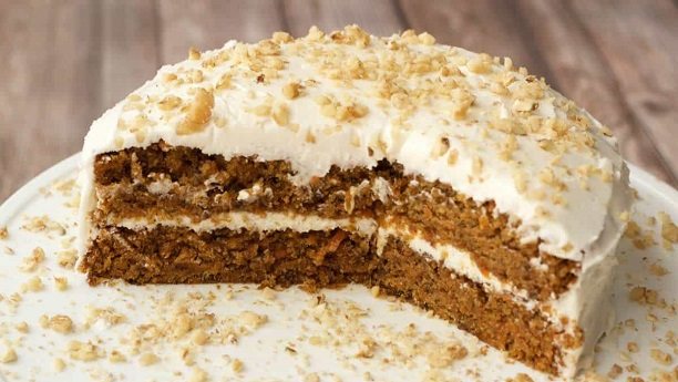 Carrot cake with lemon buttercream icing