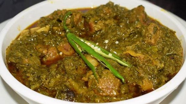 Chicken Sarsoo Ka Saag Recipe