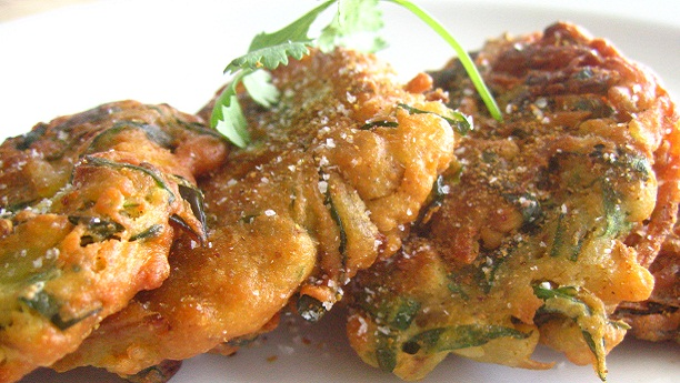 Chicken and Chickpeas Pakoray
