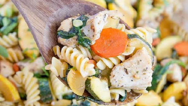Chicken with Vegetable Pasta Video