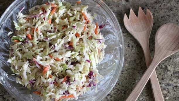 Easy Coleslaw with Yogurt Dressing