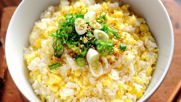 ایگ فرائیڈ رائس<br/>Egg Fried Rice