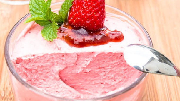 Eggless Strawberry Mousse Full Recipe