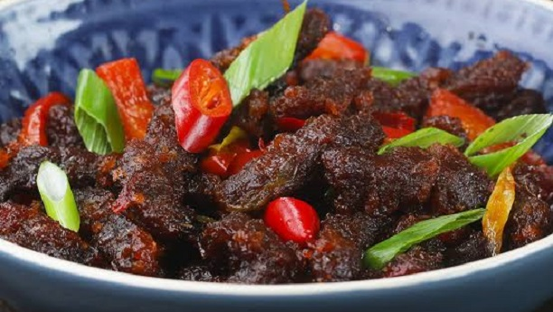 Fried Beef With Dried Chilli