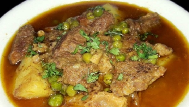 Mater Aaloo Gosht By Bajias