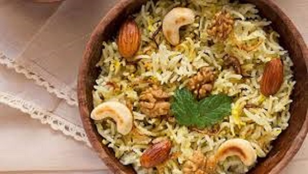 Modur Pulao (Sweetened Kashmiri rice with coconut)