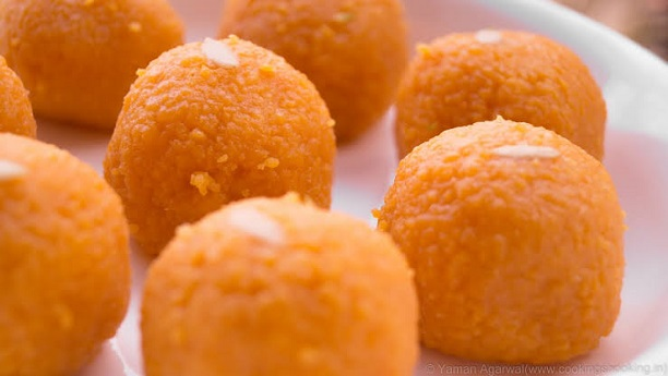 Moti Choor Ladoo