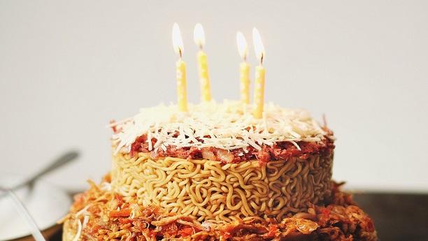 Kokab Khawaja Cake Recipes In Urdu: Noodle Cake Recipe By Kokab Khawaja