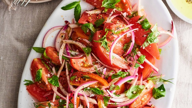 Onion and Tomato Salad (Cachumber)