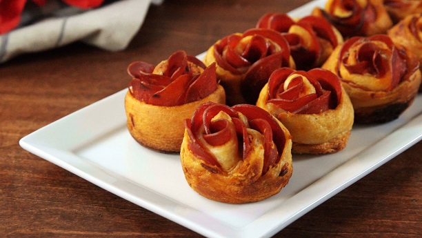 PEPPERONI BREAD ROSES