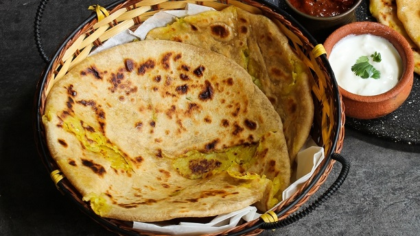 Paratha Stuffed with Potato (Alu Ki Roti)