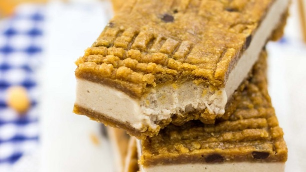Peanut-Butter Banana Ice Cream Sandwich