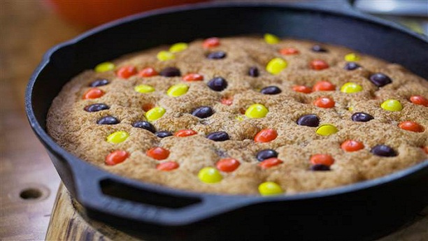 Skillet Cookie Cake Recipe