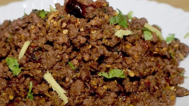 Special Bhoona Khara Qeema Recipe