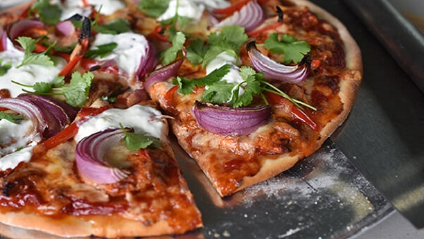 تندوری چکن پیزا<br/>Tandoori Chicken Pizza