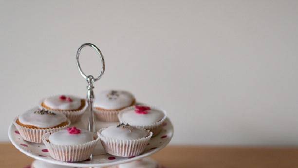 مسزوائٹ چیز کیک براﺅنی کپس
