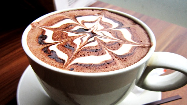 وائٹ چاکلیٹ مو کا ڈرنک